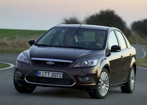 25_2009-ford-focus-sedan-front-angle-588x422